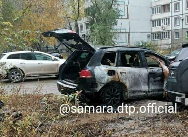 Рано утром в воскресенье в Самаре горели три иномарки | CityTraffic
