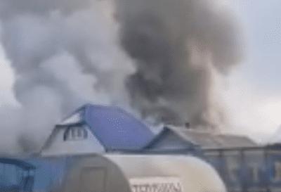 В магазине возле Тольятти пожарные тушили горящие строительные материалы: видео | CityTraffic