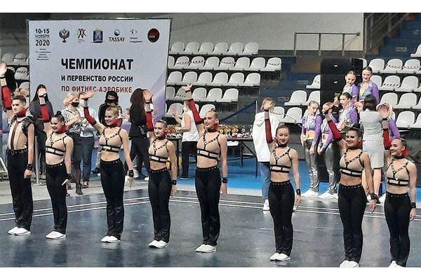 Семь девушек и парень из Тольятти стали лучшими в стране по фитнес-аэробике | CityTraffic
