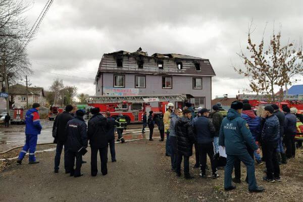 Уголовное дело из-за гибели 4 человек на пожаре в Самаре возбудили в отношении владельца здания | CityTraffic