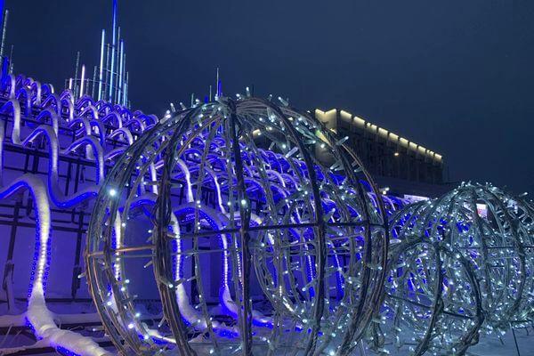 На площади Славы в Самаре включили ледяной дворец: видео | CityTraffic
