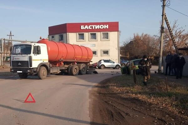 "Пенсионер на ""Дэу"" попал под МАЗ в Самарской области | CityTraffic"