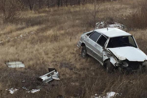 ВАЗ опрокинулся на трассе в Самарской области   CityTraffic