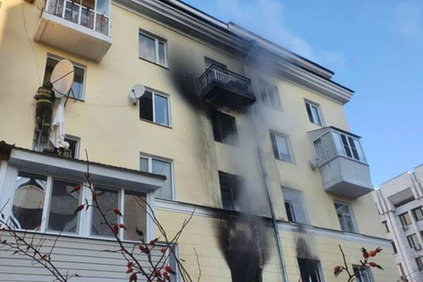 Из детсада на первом этаже горящего дома в Самаре эвакуировали 15 детей | CityTraffic