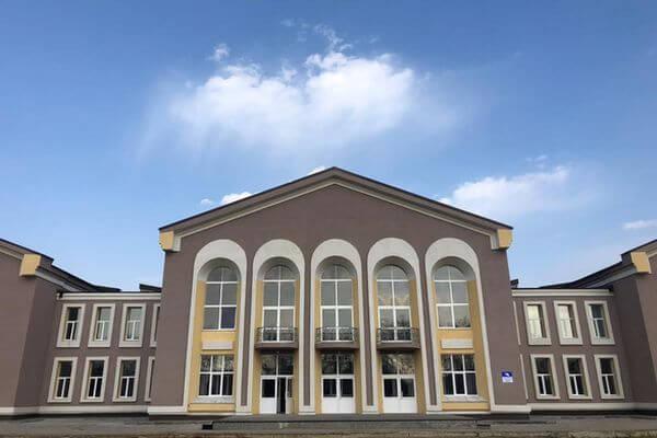 Дмитрий Азаров оценил качества капремонта дома культуры в Августовке | CityTraffic