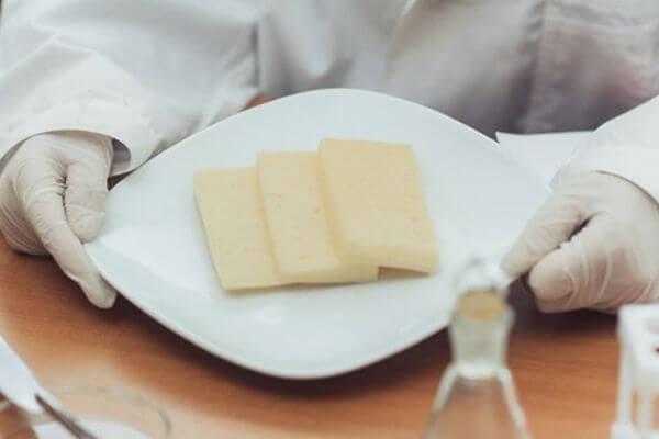 Сыр с растительным жиром поставляла фирма из Самары в социальное учреждение Вологодской области | CityTraffic