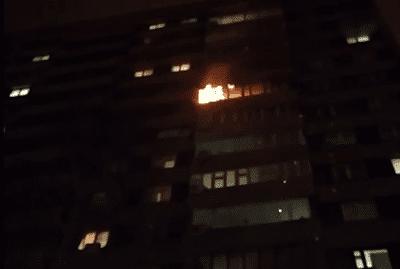 В Тольятти 18 человек тушили пожар в многоквартирном доме: видео | CityTraffic