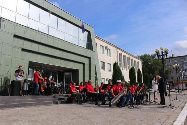 Ступени филармонии в Тольятти превратятся в клавиши фортепиано | CityTraffic