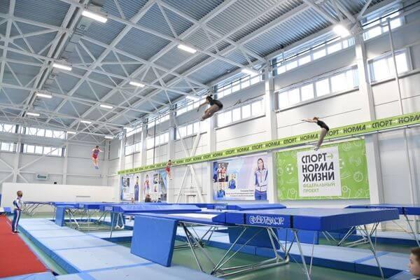 В Тольятти открылся первый в области специализированный зал по подготовке акробатов и батутистов | CityTraffic