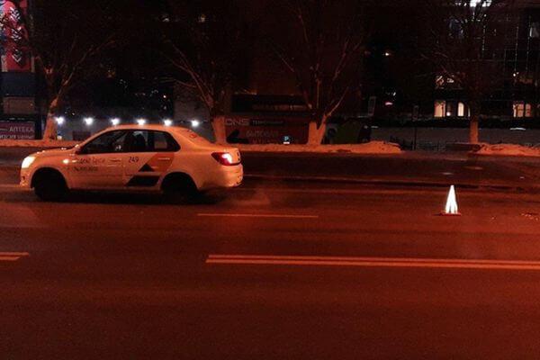 В Самаре таксист сбил пенсионера-нарушителя | CityTraffic