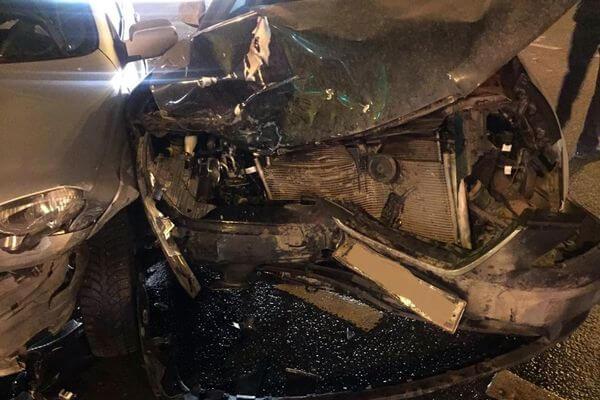 В Самаре ребенок и двое взрослых пострадали в столкновении 3 автомобилей | CityTraffic