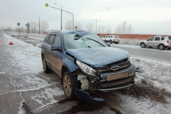 В Тольятти кроссовер сбил мужчину на переходе | CityTraffic