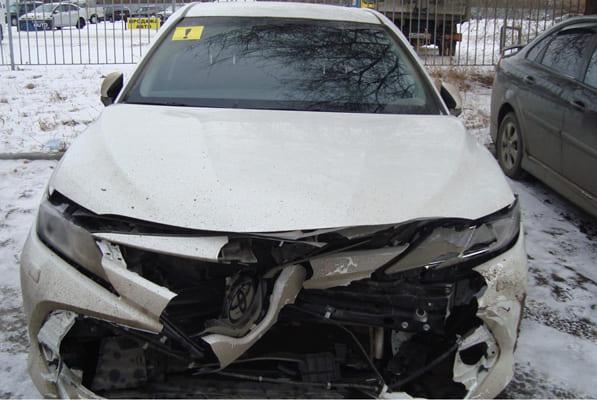LADA и Toyota, которыми управляли начинающие водители, не разъехались на перекрестке в Тольятти | CityTraffic