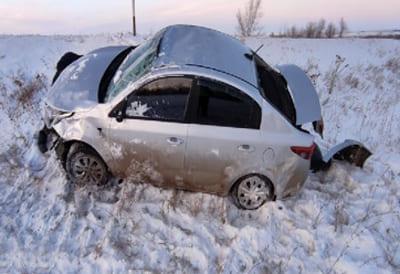 В Самарской области KIA Rio протаранила дорожный знак, пострадала 60-летняя пассажирка автомобиля | CityTraffic