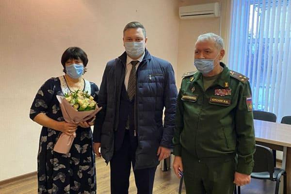 В Тольятти представители ЛДПР отыскали для семьи ветерана награду, затерявшуюся в годы войны | CityTraffic