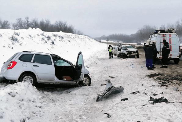 Два человека погибли в ДТП на трассе М-5 в Самарской области | CityTraffic