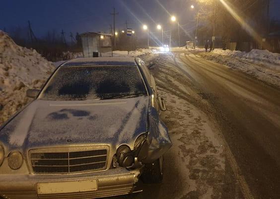 В Самаре 19-летний водитель на «Мерседесе» сбил пешехода, который переходил дорогу не по «зебре» | CityTraffic