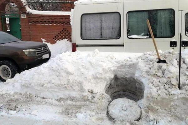 Житель Самары задолжал за воду 50 тысяч рублей и продолжал врезаться в трубы соседей | CityTraffic