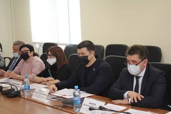 В Самарской губдуме предложили увеличить штрафы для тех, кто торгует контрафактом | CityTraffic