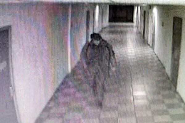 Вор вломился в офис в Тольятти и похитил 200 тысяч рублей | CityTraffic