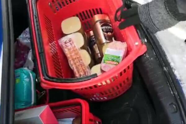 Пьяный житель Тольятти без прав увез украденные в магазине продукты вместе с корзинками | CityTraffic