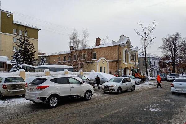 В Самаре парковку для инвалидов у больницы расчистили после вмешательства прокуроров | CityTraffic