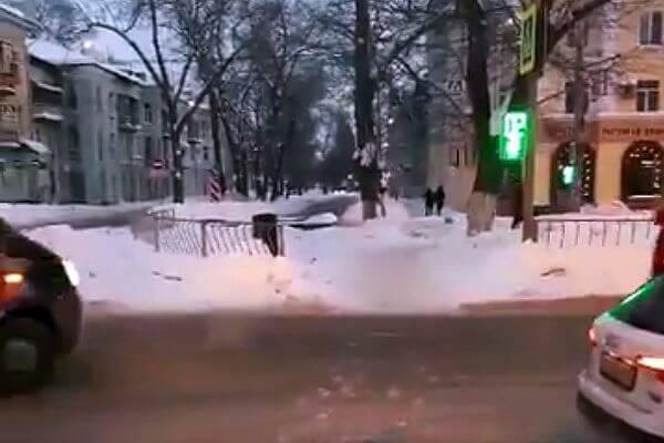 В Самаре увеличили время  для пешеходов на светофоре на пересечении Победы и Краснодонской | CityTraffic