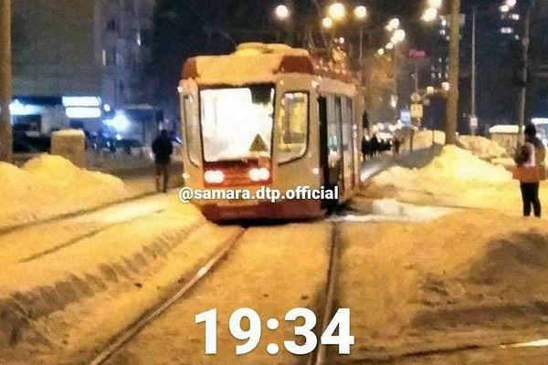 В Самаре трамвай сошёл с рельсов в Постниковом овраге | CityTraffic