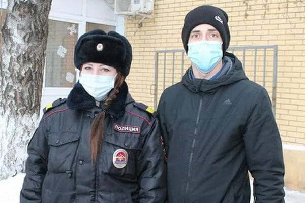 Полицейские Сызрани спасли жизнь пенсионера, которому стало плохо на автовокзале | CityTraffic