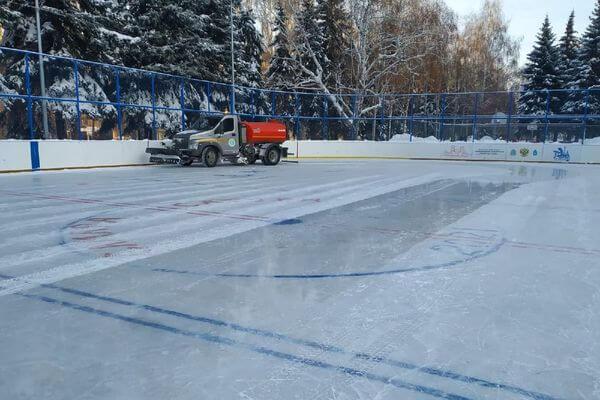 В Самаре ежедневно обновляют 15 тысяч квадратных метров льда на катках в парках | CityTraffic