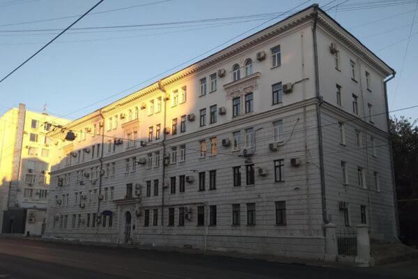 Связанный с Газбанком бизнес-центр возле Белого дома продается с землей за 202 млн рублей | CityTraffic