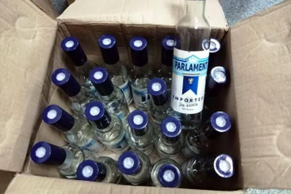 В Самарской области пресекли продажу 1100  бутылок паленой водки | CityTraffic