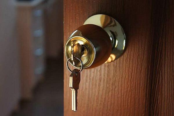 В Сызрани отец не пускал дочь в квартиру, которую ей завещала бабушка | CityTraffic