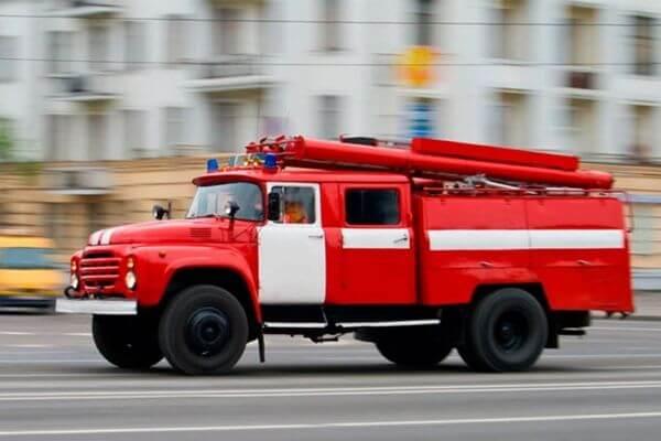 В Новокуйбышевске 19 человек тушили балкон, эвакуировали двух человек | CityTraffic