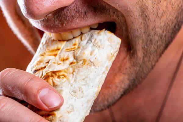Как поесть шаурмы и не отравиться, рассказали в Роспотребнадзоре   CityTraffic