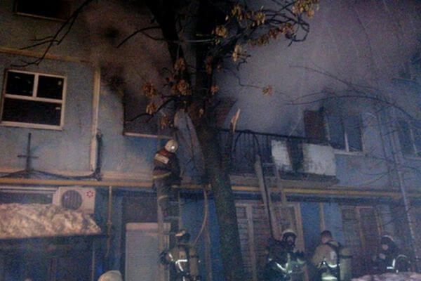 В Самаре ночью из горящего дома эвакуировали 32 человека | CityTraffic