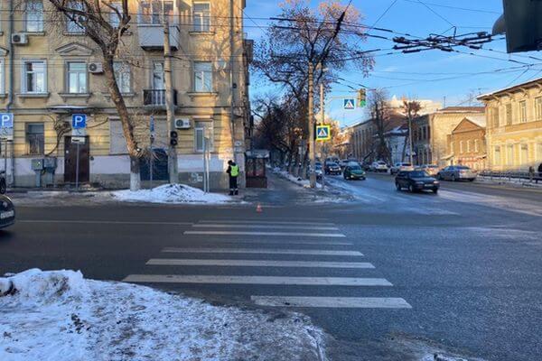 В Самаре сбита женщина на пешеходном переходе | CityTraffic