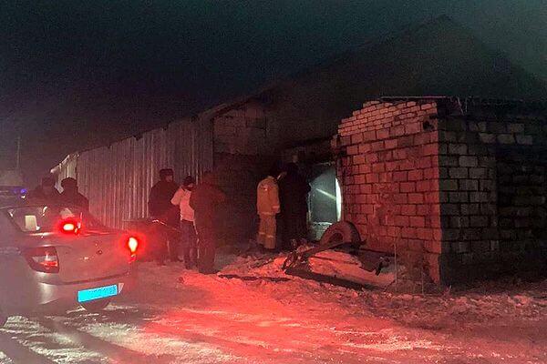 В Тольятти двухлетний ребенок погиб во время пожара ночью на складе | CityTraffic