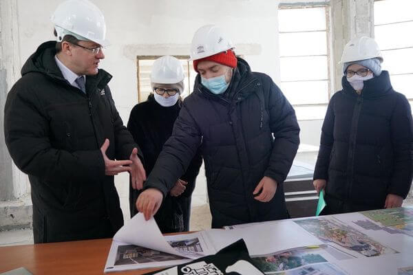 Дмитрий Азаров иЗельфира Трегулова обсудили ход строительства будущего филиала Третьяковской галереи вСамаре