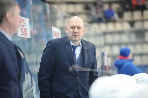 Главный тренер ЦСК ВВС вновь заявил о задержках в зарплате хоккеистов   CityTraffic