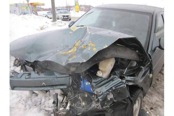"""Водитель """"Оки"""" из Чапаевска был госпитализирован после столкновения с """"десяткой""""   CityTraffic"""
