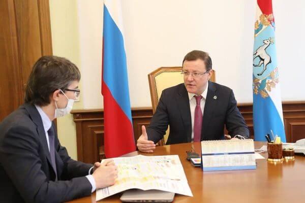 Дмитрий Азаров и Дмитрий Михаленко обсудили ход вакцинации сотрудников АВТОВАЗа от COVID-19   CityTraffic
