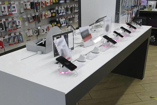 Житель Тольятти украл в магазине 2 смартфона на 110 тысяч рублей | CityTraffic