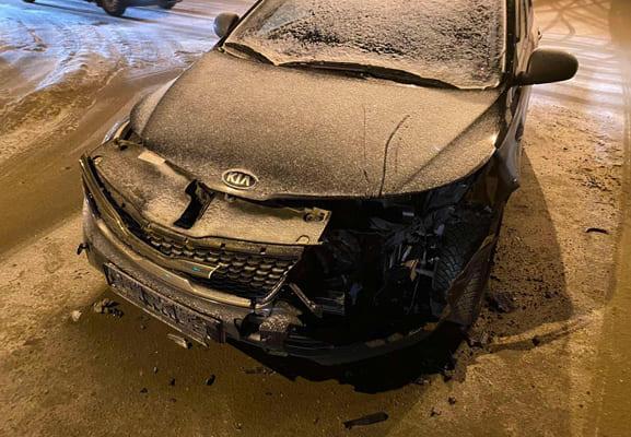 В Тольятти на перекрестке столкнулись «Лада» и «Киа», пострадала пассажирка иномарки | CityTraffic