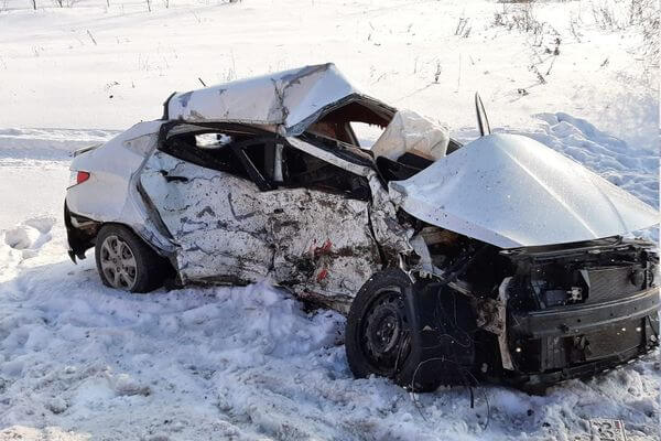 """Водитель """"Хендая"""" вылетел в кювет при обгоне и погиб на трассе в Самарской области   CityTraffic"""
