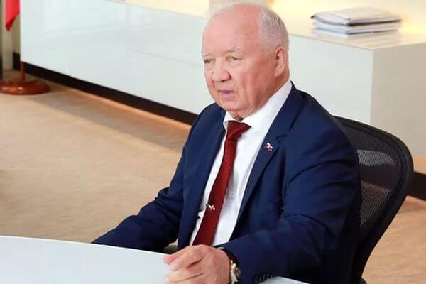 Президента Самарского землячества наградили почетным знаком | CityTraffic