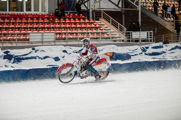 Тольяттинская «Мега-Лада» заняла второе место в командном чемпионате страны по мотогонкам на льду | CityTraffic