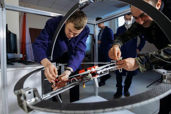 В Самаре разработали уникальный тренажер для обучения пилотов дронов | CityTraffic