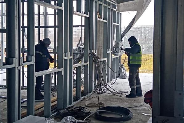 На территории Медгородка в Тольятти на 50% выполнен монтаж металлоконструкций нового отделения для пациентов с COVID-19 | CityTraffic