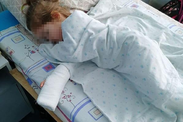 В Тольятти 3-летняя девочка лишилась части фаланги пальца после посещения детского сада | CityTraffic